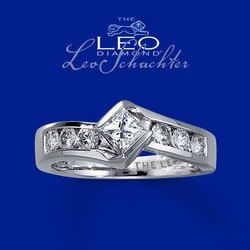 the leo diamond ring